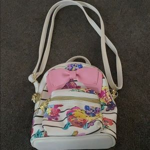 NWOT Mini Betsey Purse